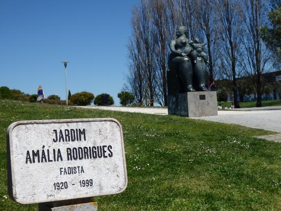 jardim-amalia-rodrigues1